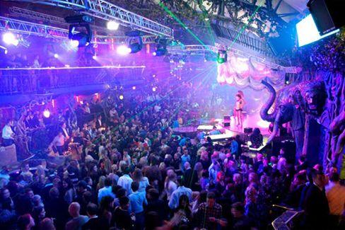 Вечеринки московские ночные клубы клубы для мужчин ростов на дону