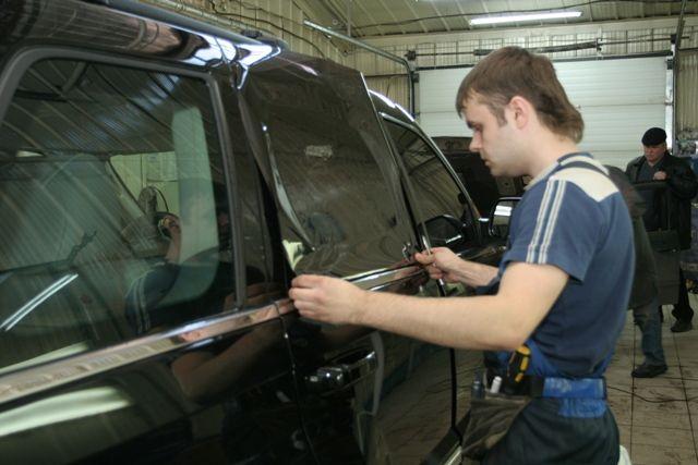 Тонирование стекол автомобиля своими руками видео